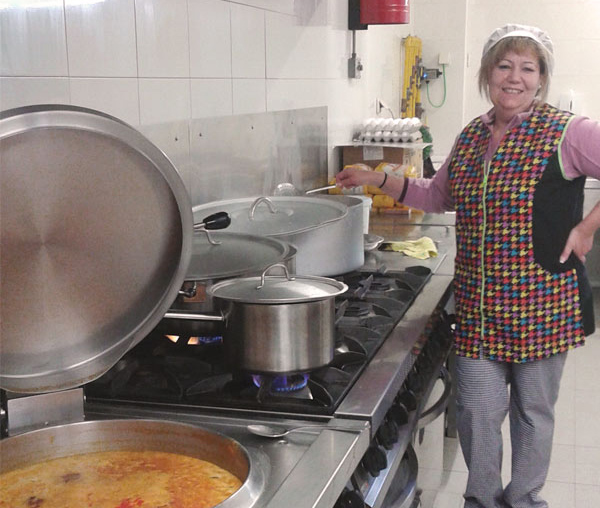 cocinera-intur-colectividad