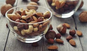 Receta saludable, ensalada con frutos secos